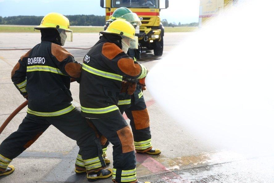 O Serviço de Bombeiro Civil de Aeroportos já está disponível.
